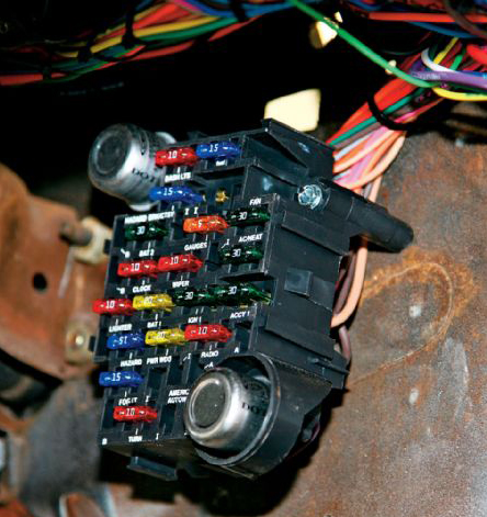 aaw4?w=275&h=292 american autowire 1964 '66 mustang classic update wiring kit one fuse box 66 mustang at eliteediting.co