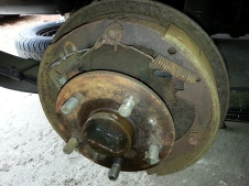 Drum removed - Note the incorrect shoe spring positions
