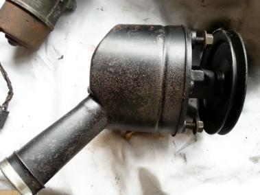 power steering pump side view