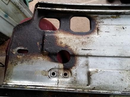 Left side bottom uncleaned