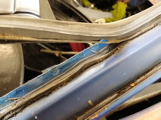 rubber and mastic removal