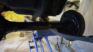 axle on leaf springs